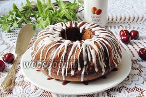 Кекс с черешней и шоколадом