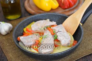 Филе тунца с картофелем и сладким перцем