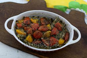 Мойва с помидорами в духовке готова. Сразу подайте к столу. Приятного аппетита!