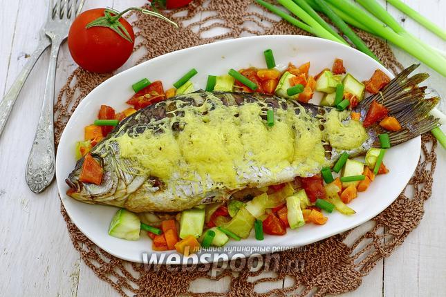 Фото Карась с овощами под сырной корочкой