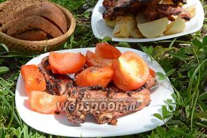 Свиная мякоть с мятой и лимоном, обжаренная на решётке