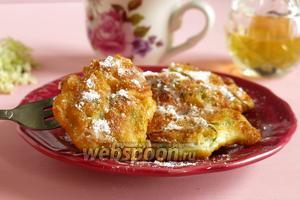 Косматице — сладкие оладьи из цветов бузины
