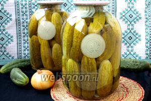 Огурцы маринованные с луком