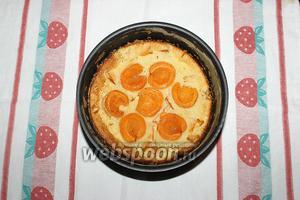 Десерт выпекайте в духовке сначала 12-15 минут при 200°С градусах, а затем подержите его ещё 25-30 минут при температуре 180°С. Клафути готов! Приятного аппетита!