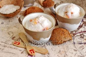 Кокосовое мороженое с персиком