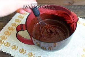 Всё хорошо перемешаем и дадим шоколаду остыть примерно до 30°С. Потому, что если шоколад будет горячий, то маршмеллоу растает.