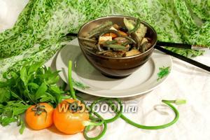 Овощной гарнир со стрелками чеснока