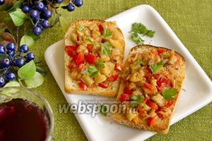 Тосты с овощным рагу