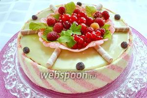 Торт готов! Таким образом, благодаря моим коллегам по кулинарии на сайте, у меня получился красивый и вкусный праздничный торт в день рождения моего мужа. Спасибо вам, дорогие коллеги, за ваши отличные рецепты!