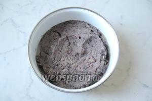 Фасоль с луком посолить и поперчить по вкусу, тщательно перемешать. Начинка для пирожков готова.