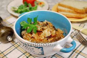 Капуста, тушёная с курицей и грибами