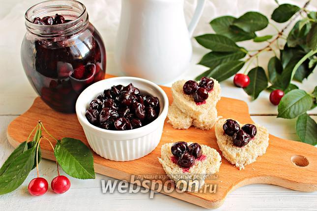 Фото Варенье из вишни с корицей