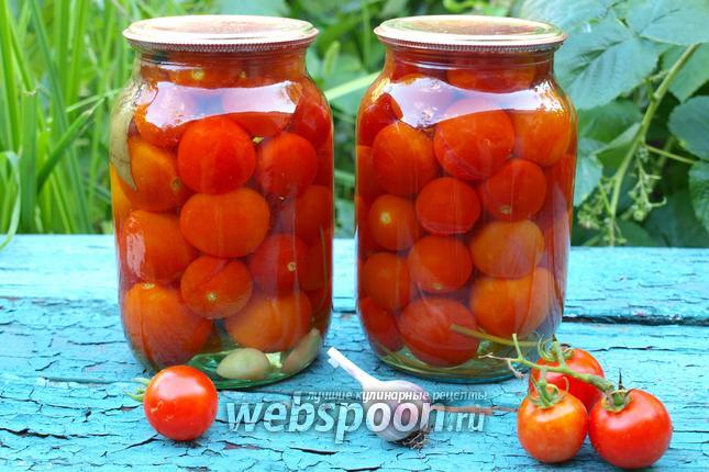 Фото Консервированные помидоры черри с петрушкой