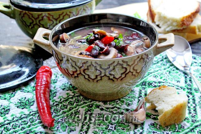 Фото Суп с красной фасолью и грибами
