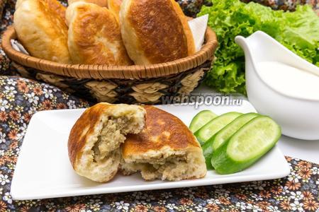 Жареные пирожки с картофелем и куриной печенью