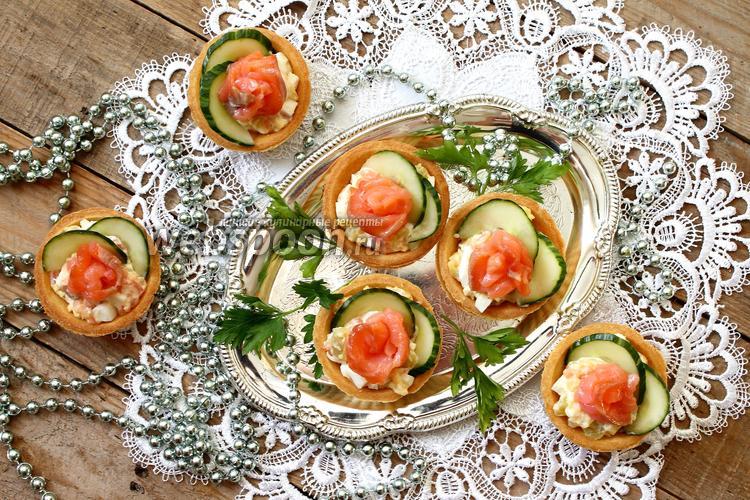 Рецепты салатов в тарталетках с семгой