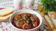 Фото рецепта Куриная печень с шампиньонами в красном вине