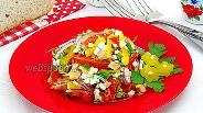 Фото рецепта Салат из печени трески с яйцами и овощами