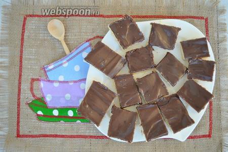 Печенье отлично режется, а карамель получается очень мягкой, но не течёт.