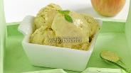 Фото рецепта Сливочное крем-мороженое с базиликовым курдом