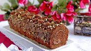 Фото рецепта Шоколадный рулет с орехами
