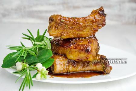 Свиные рёбрышки в маринаде из лука и чеснока