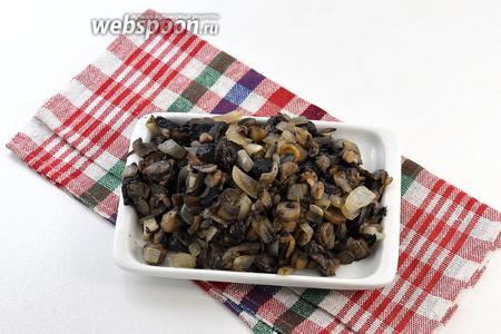 Грибы очистить, помыть, нарезать на небольшие кусочки и обжарить на растительном масле с луком до готовности.  Как жарить подберёзовики  можно посмотреть в полезных советах.