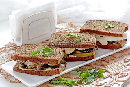 Бутерброды со шпротами на ржаном хлебе