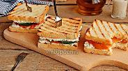 Фото рецепта Горячие бутерброды с творогом