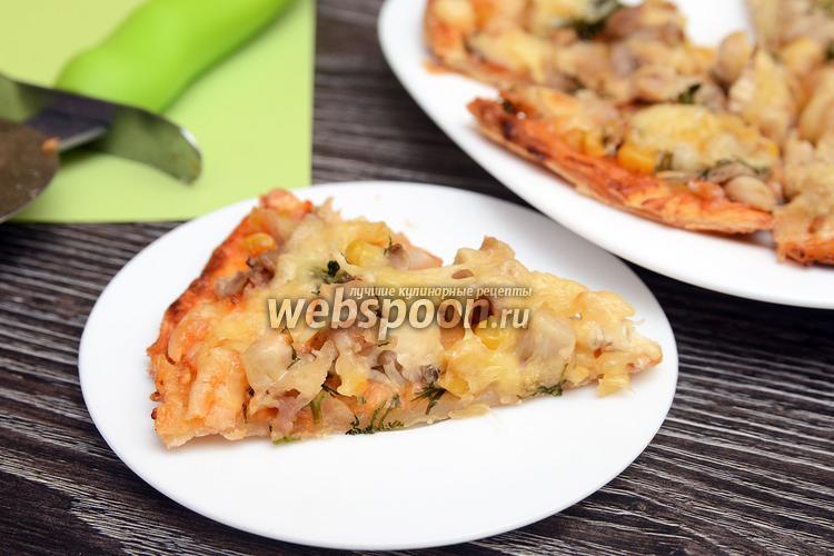Фото Пицца с курицей, укропом, вёшенками и кукурузой