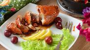 Фото рецепта Куриный рулет с вишней