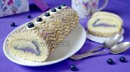 Фото рецепта Рулет с голубикой и белым шоколадом