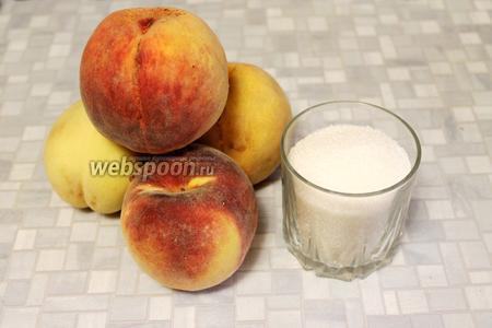 Для приготовления пастилы нужно взять персики и сахар.