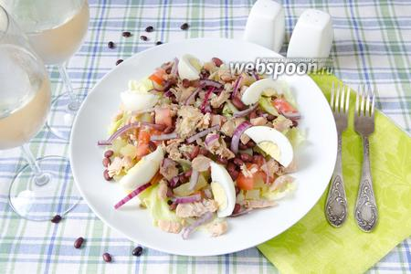 Салат с красной фасолью и горбушей