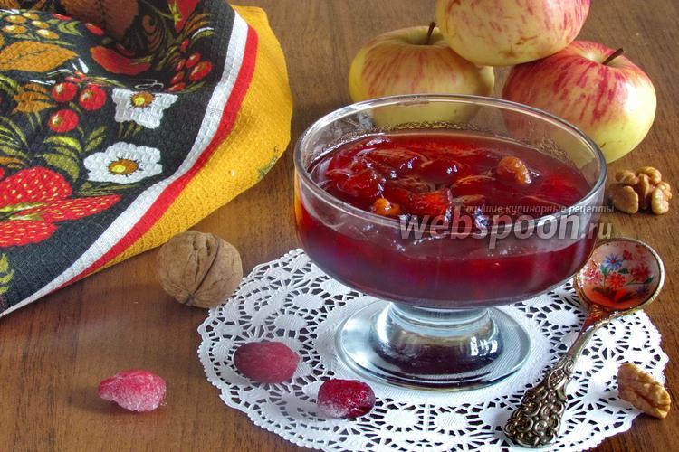 Фото Варенье из клюквы с яблоками и грецкими орехами