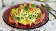 Фото рецепта Салат из капусты и копчёной горбуши
