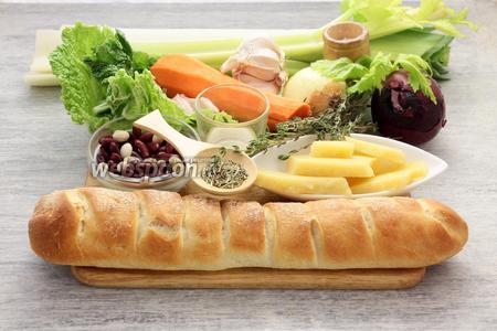Потребуются морковь, стебли сельдерея, по луковице белого и лилового сорта, порей, фасоль, хлеб (годится чёрствый), Пармезан, капустные листья (в оригинале — черная (cavolo nero), заменяют сайвойской, пекинской, мангольдом), розмарин, чеснок, тимьян, оливковое масло, соль, перец.