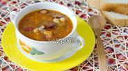 Фото рецепта Суп с охотничьими колбасками и фасолью