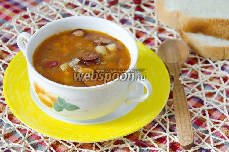 Фото Суп с охотничьими колбасками и фасолью