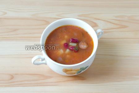 Зимой тарелка такого горячего и ароматного супчика может быть очень кстати.