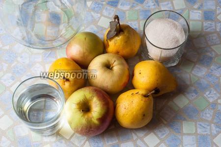 Нам понадобятся спелые яблоки, груши, сахар, вода (только не из-под крана), лучше родниковая или бутулированная), трёхлитровая банка, крышка жестяная и ключ для закрутки.