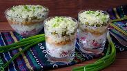 Фото рецепта Салат «Дамский каприз» с крабовыми палочками