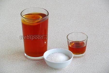Для приготовления сиропа, нужно взять крепкозаваренный чай с лимоном, ликёр «Амаретто» и сахар. Кружочек лимона вынуть, всыпать сахар и влить ликёр. Сироп размешать и остудить.