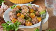 Фото рецепта Куриные тефтели с алычой