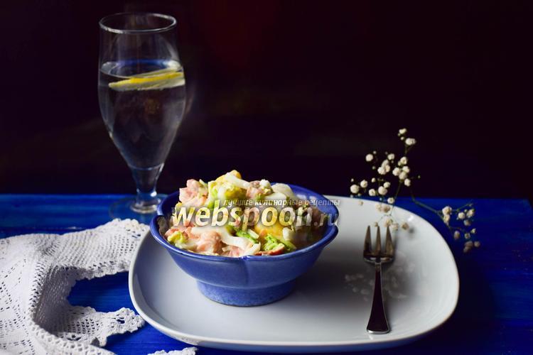 Фото Салат из пекинской капусты, ананаса и копченого окорока