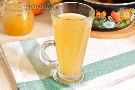 Разливаем горячий, согревающий напиток по чашкам, греемся и наслаждаемся приятным пряным вкусом.