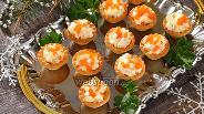 Фото рецепта Тарталетки с икрой и кальмарами