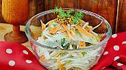 Фото рецепта Салат с белой редькой