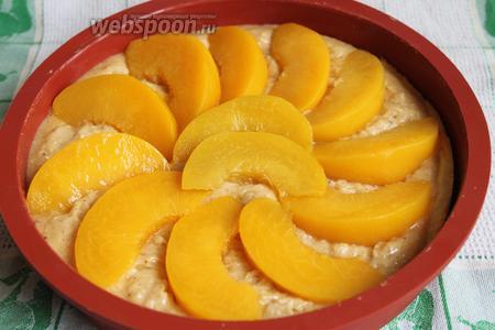 И персиковый тарт тоже подготовим к выпечке. Ставим в духовку на 30 минут при 175°С. Надо, чтобы крем запёкся.