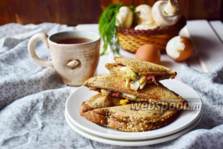 Фото Сэндвич с крабовым мясом, яйцом и шампиньонами